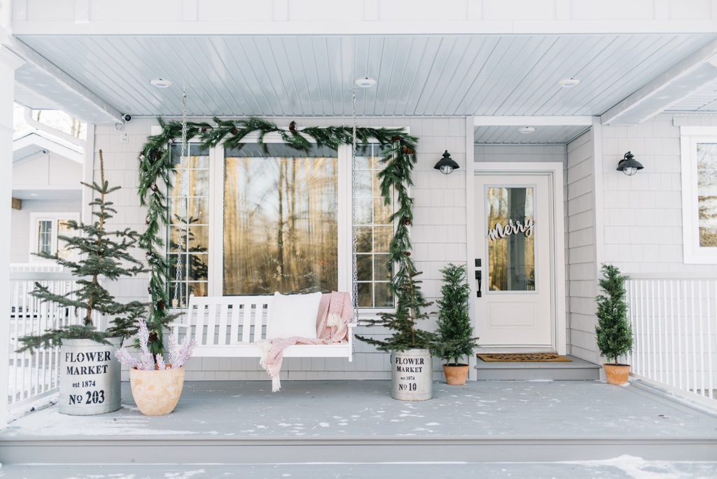 Christmas Farmhouse Front Porch-The Ginger home