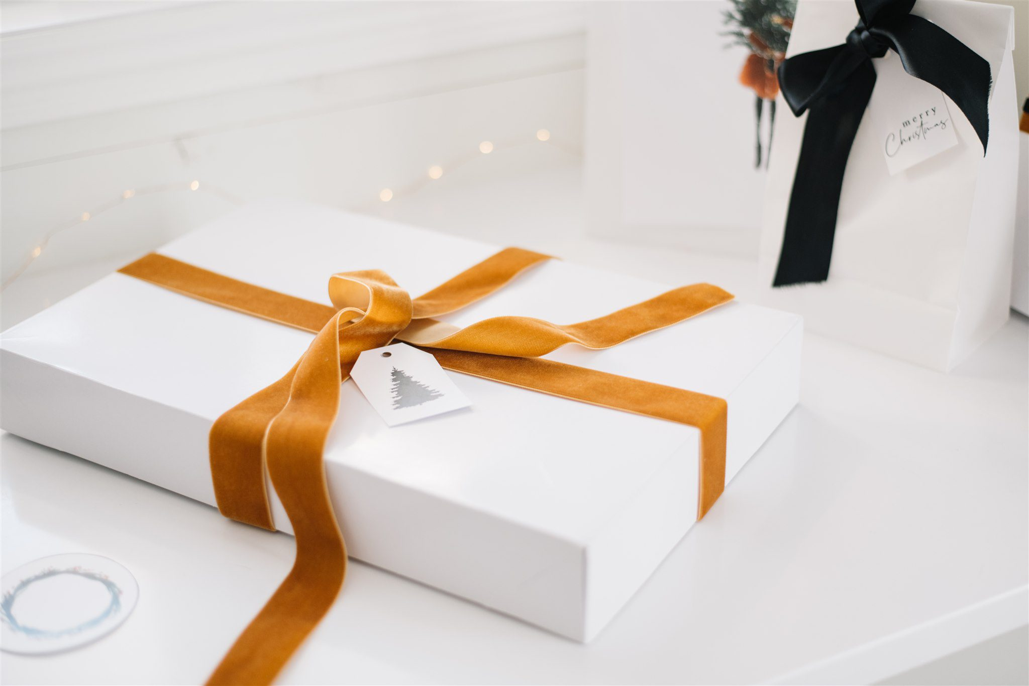 Minimalist gift wrapping
