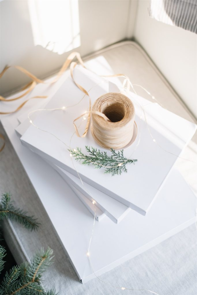 gift boxes are a paper free way to wrap