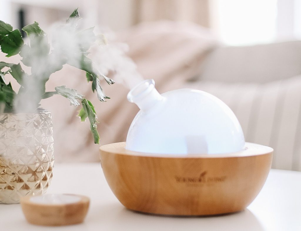 Diffuser misting on table