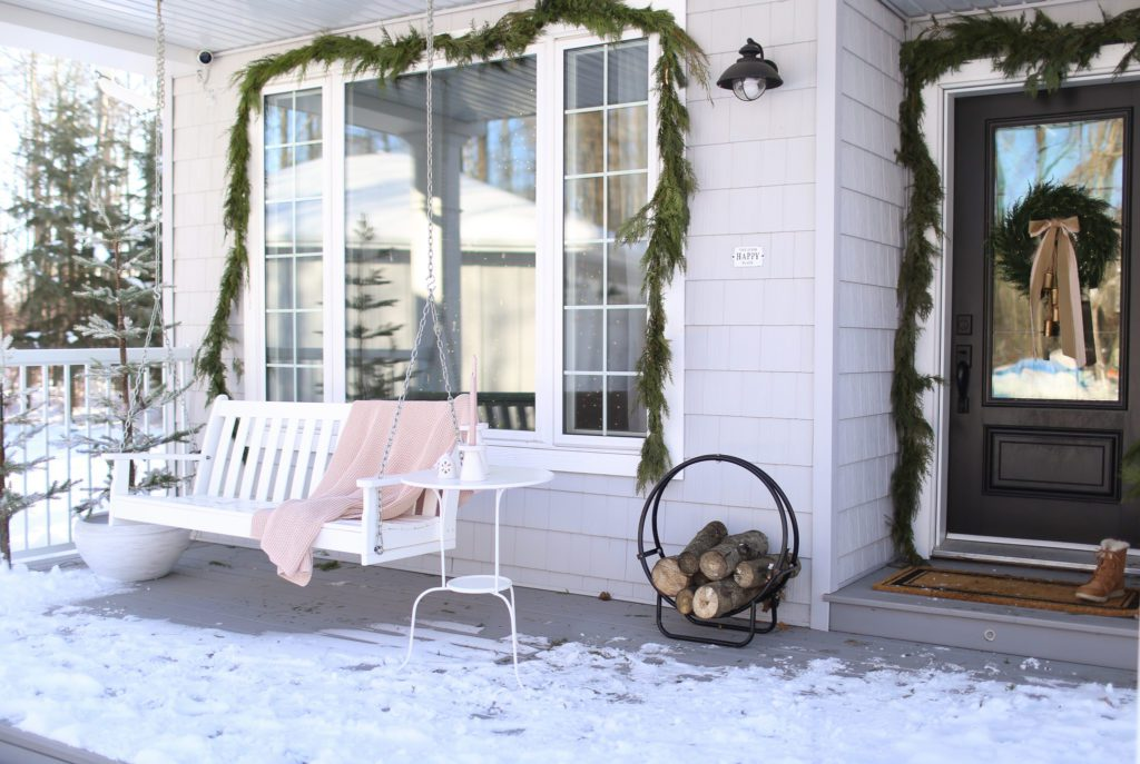 How to Style a Simple Christmas Front Porch