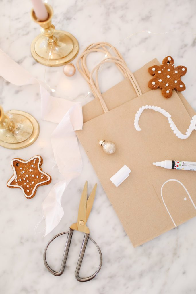 make your own gingerbread house gift bag