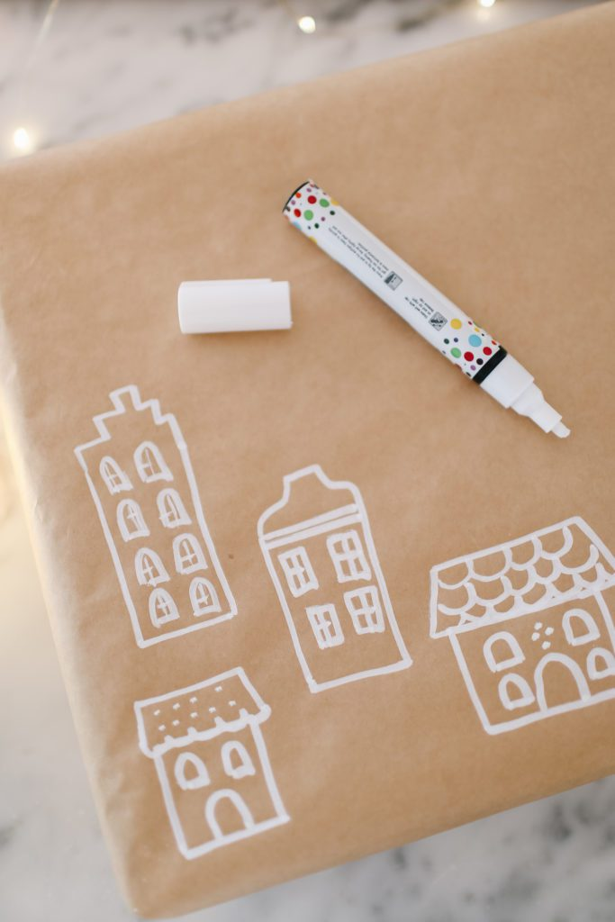 How to make your own DIY gingerbread house wrapping paper!